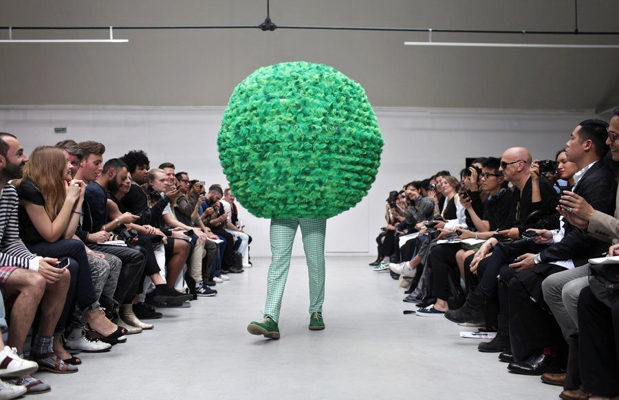 catwalk-fashion-weird-catwalk-fashion-weird-catwalk-1