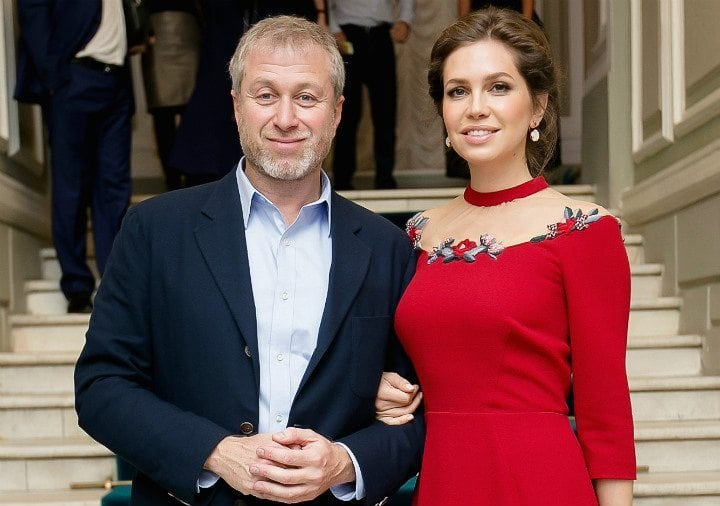 roman abramovich dasha zhukova trophy wives