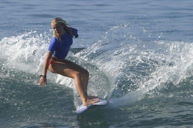 bethany hamilton surfing surfer competing champion